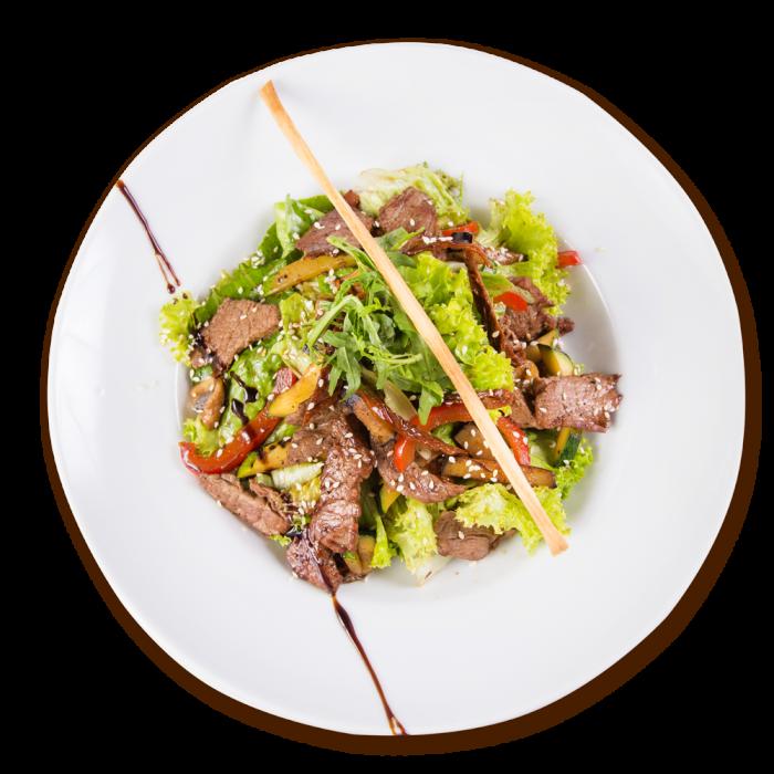 Теплый салат из нежной телятины